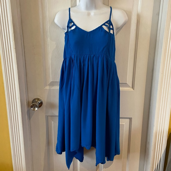 Jack by BB Dakota Dresses & Skirts - Jack by BB Dakota Beth Cutout Dress - Blue Sz S
